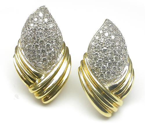 Round Cut Diamond 18k Yellow Gold Earrings