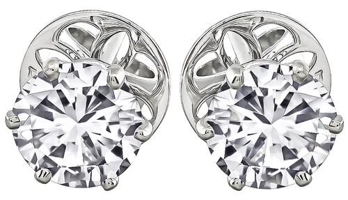 Round Cut Diamond Studs Earrings