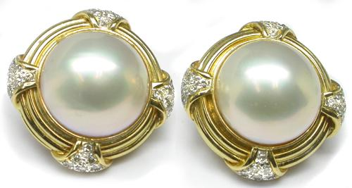 Round Cut Diamond Pearl 18k Yellow Gold Earrings