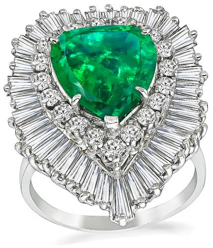 Pear Shape Emerald Round and Baguette Cut Diamond Platinum Ring-Dant