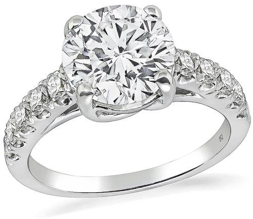 Round Brilliant Cut Diamond 18k White Gold Engagement Ring